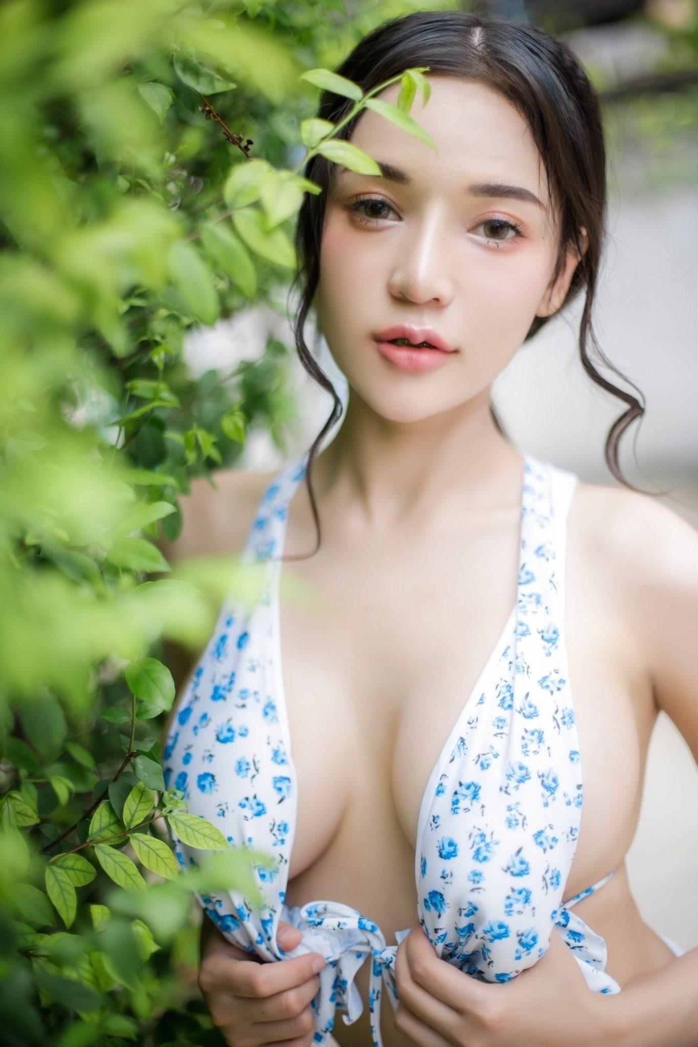 น้องตอง สาวน้อยน่ารัก หุ่นเซ็กซี่ น่าลูบไล้ หลายคนเห็นแล้วอดใจไม่ไหว