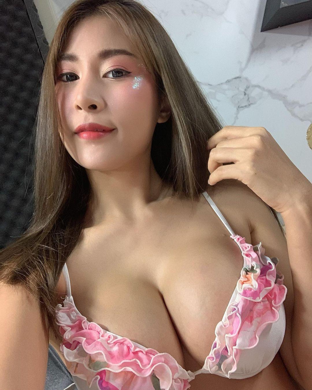 สปอย แมกซิม สาวเซ็กซี่ หุ่นเด็ด รูปเซ็กซี่ แต่ละรูปทำเอาผู้ชายแข็งไปทั้งตัว