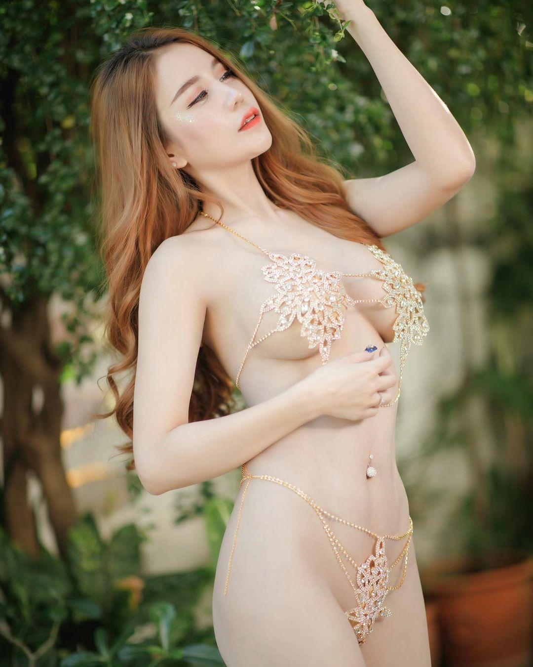 ส่อง IG อามมี่ Maxim นางแบบเซ็กซี่ ขาวสวย รูปร่างสุดเอ็กซ์ น่ารักเซ็กซี่