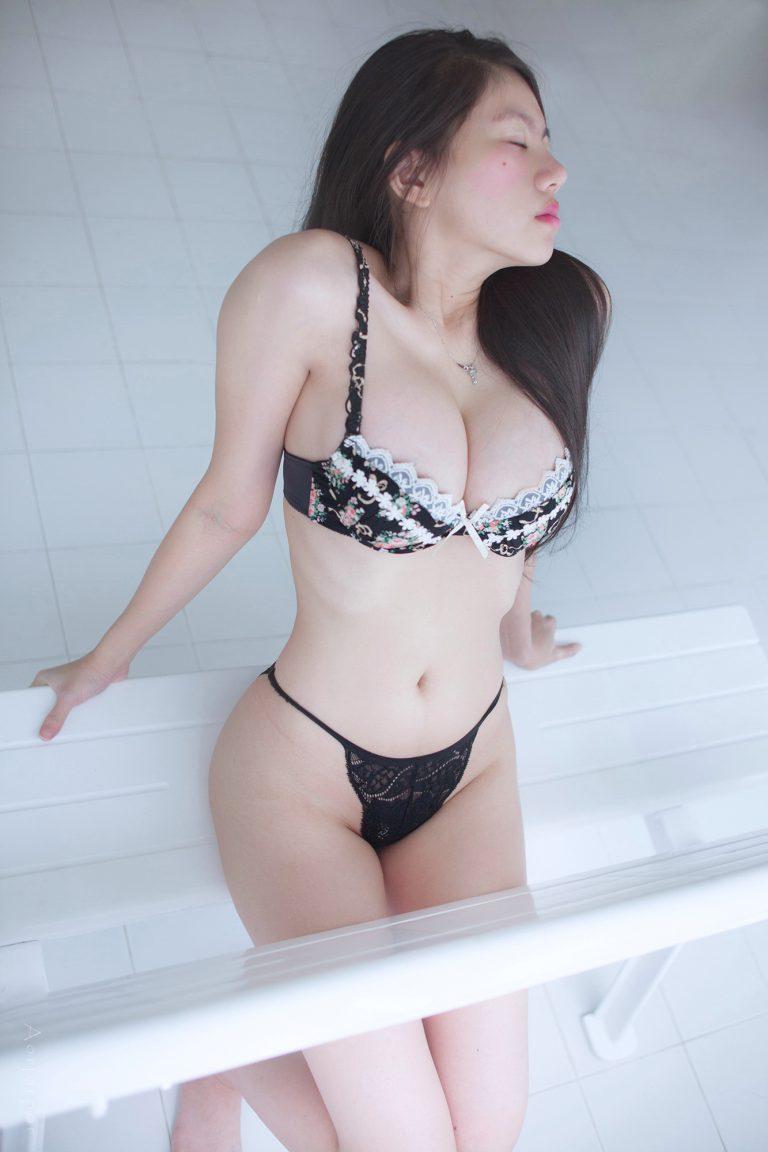 Arisa Katchawarang สาวสวย เซ็กซี่ ขาวเนียน พร้อมกับหุ่นสุดเซ็กซี่ งานดีมาก