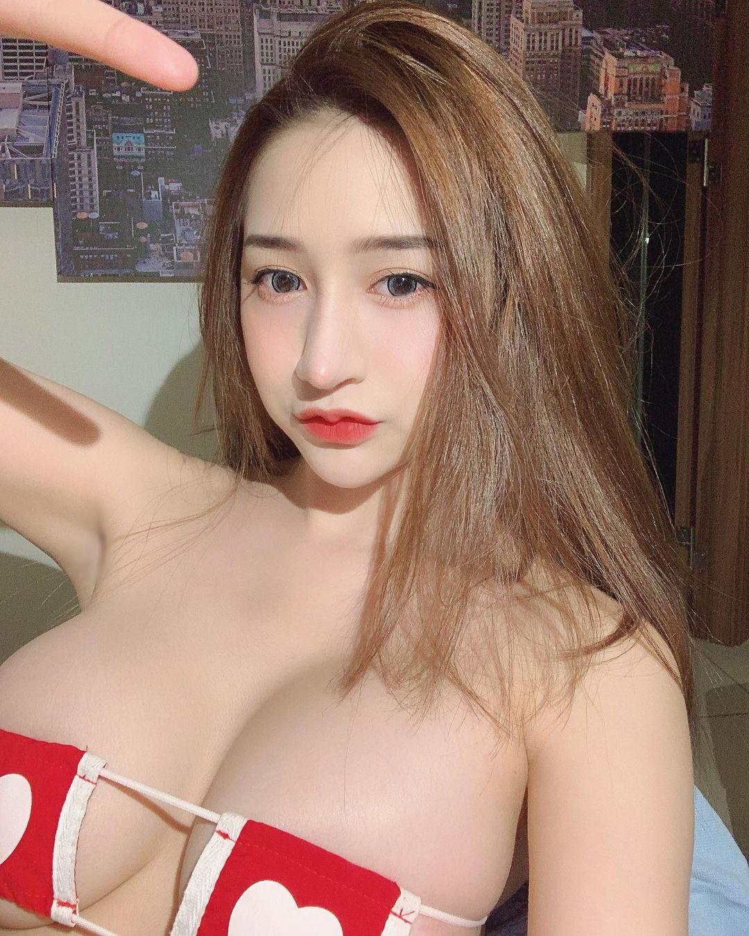 zeebownoii79 น้องโบว์ สาวเซ็กซี่ สาวสวย จากกลุ่มลับ