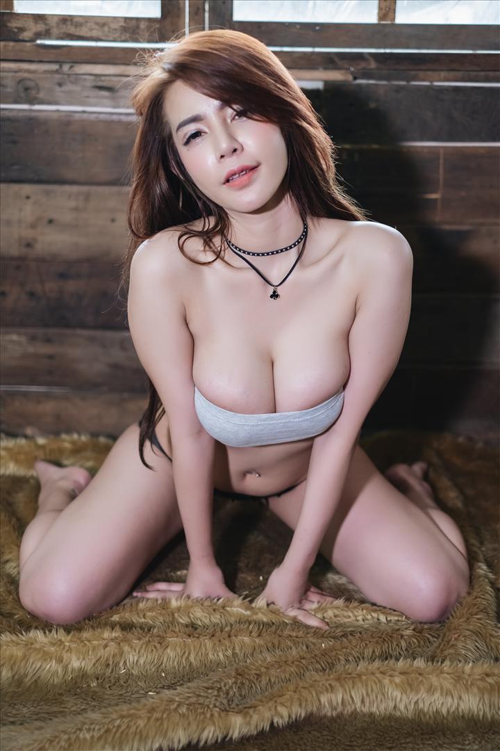 benji Phatthira Soonleewong xxx เบนจิ เสื้อตัวจิ๋วรัดนม
