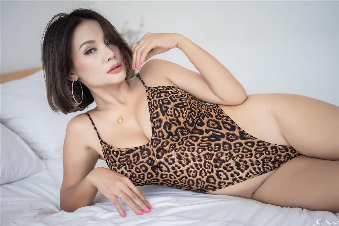 สาวสวยสาวใหญ่ เซ็กซี่ โชว์นม xxx