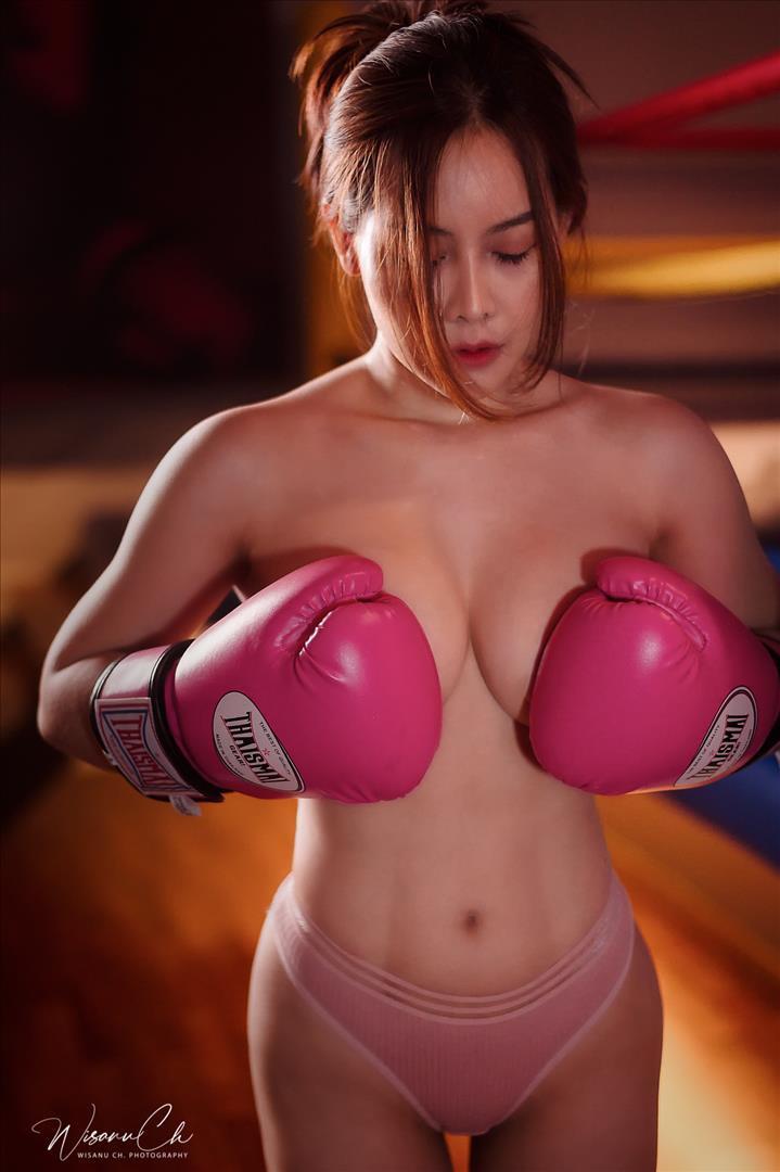 นักมวย สาวสวย เซ็กซี่ หัวนม